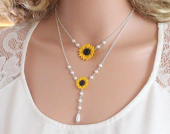 Sunflower Flower Necklace Sunflower Bridesmaid Necklace Bridal Flowers Yellow Sunflower Bridesmaid Sunflower Infinity lariat Necklace