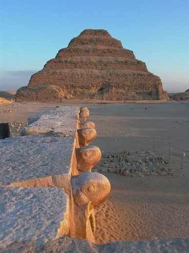 エジプトの「階段ピラミッド」Pyrimid of Djoser, Egypt