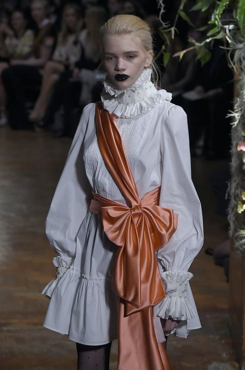 Talk about ready to wear. @gilesgilesgiles has even gift wrapped his #AW15 dress for you
