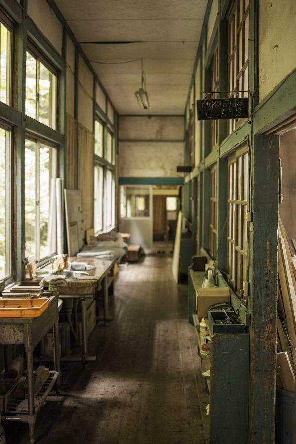 廃校になった小学校を改装して 家具の展示販売とオーダーを行なっているFUNITURE CLASSさん。 以前から一度行ってみたかったのですが 福岡県京都郡の携帯の電波も届かない山奥にあるので、 なかな
