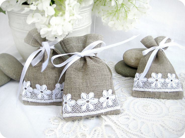 Wedding favor bags - Set of 10- Natural Rustic Linen Wedding Favor Bag or Candy Buffet Bag or Gift Bag. $17.00, via Etsy.
