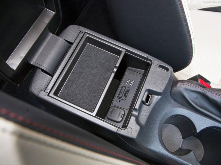 La Mazda3, pour suffisamment de rangement. http://www.lauriermazda.com/neuf/mazda3