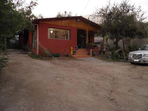 Casa Ubicada en Sn José de Maipo La obra sector residencial vista y alrededores privilegiados, cuenta con 4 dormitorios, 2 baños, entrada de autos y Amplio estacionamientos    Consulte por requisitos    Arrienda Corredor