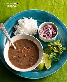 Soupe cubaine aux haricots noirs à la mijoteuse #recette