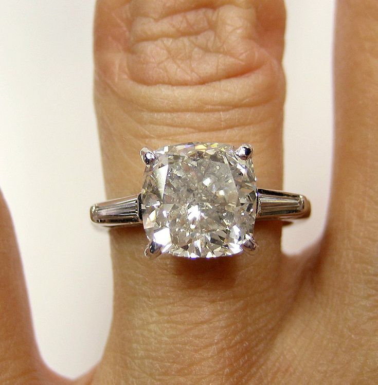 3.69ct Estate Vintage Cushion Cut Diamond with 2 Baguettes in Platinum