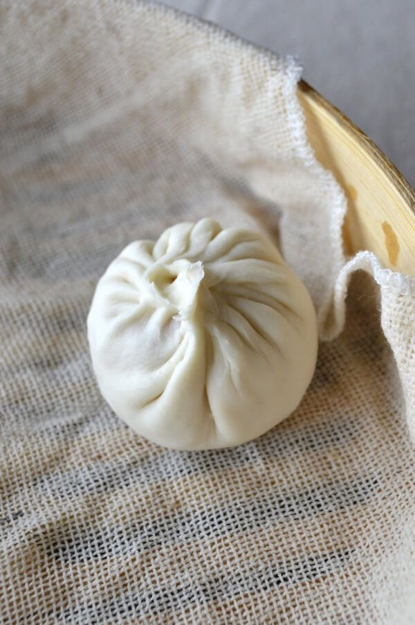 _ga- Yes! Soup in a dumpling. No, I didn't stutter.****Shanghai Steamed Soup Dumplings (Xiaolongbao), by thewoksoflife.com