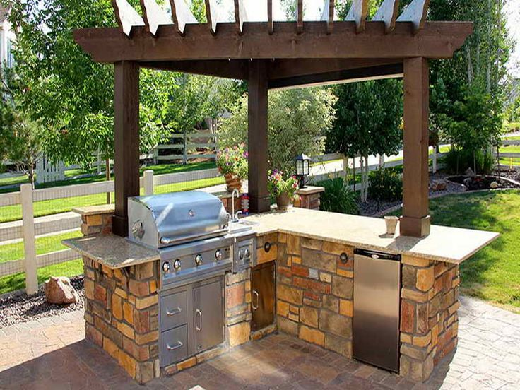 25 best ideas about small outdoor kitchens on pinterest for Simple outdoor kitchen plans