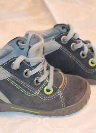 Kaufe meinen Artikel bei #Mamikreisel http://www.mamikreisel.de/kleidung-fur-jungs/schnurstiefel/34436908-halbstiefel-boots-in-wildleder-ecco-light-gr-24