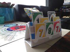Make your own playing card holder, very useful when playing games with your kids | maak je eigen speelkaartenhouder uit tafelzeil, erg handig voor kaartspelen met kinderen