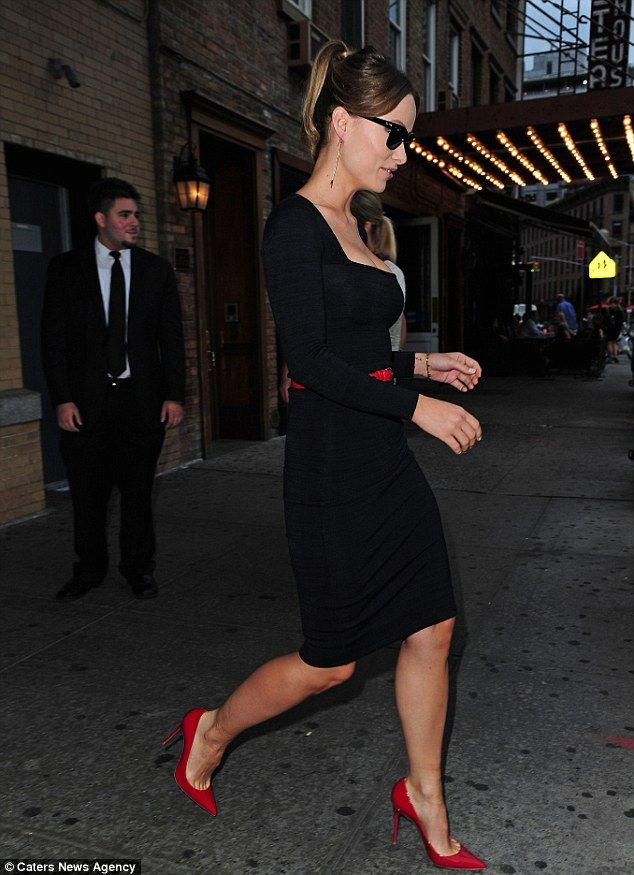 Olivia Wilde transforms from casual to classy with sexy low-cut dress | Mail Online