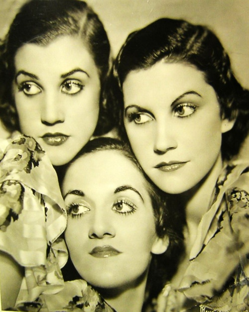 ∴ Trios ∴ the three graces, sisters, triplets & groups of 3 in art and vintage photos - The Andrews Sisters, 1930s