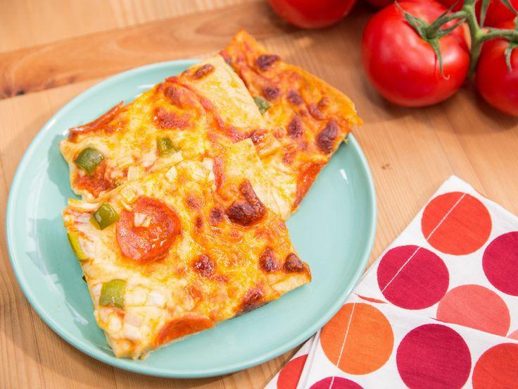 1 2 3 pizza dough - 1 TBSP garlic/herb seasoning, 2 c Greek Yogurt, 3 C self rising flour