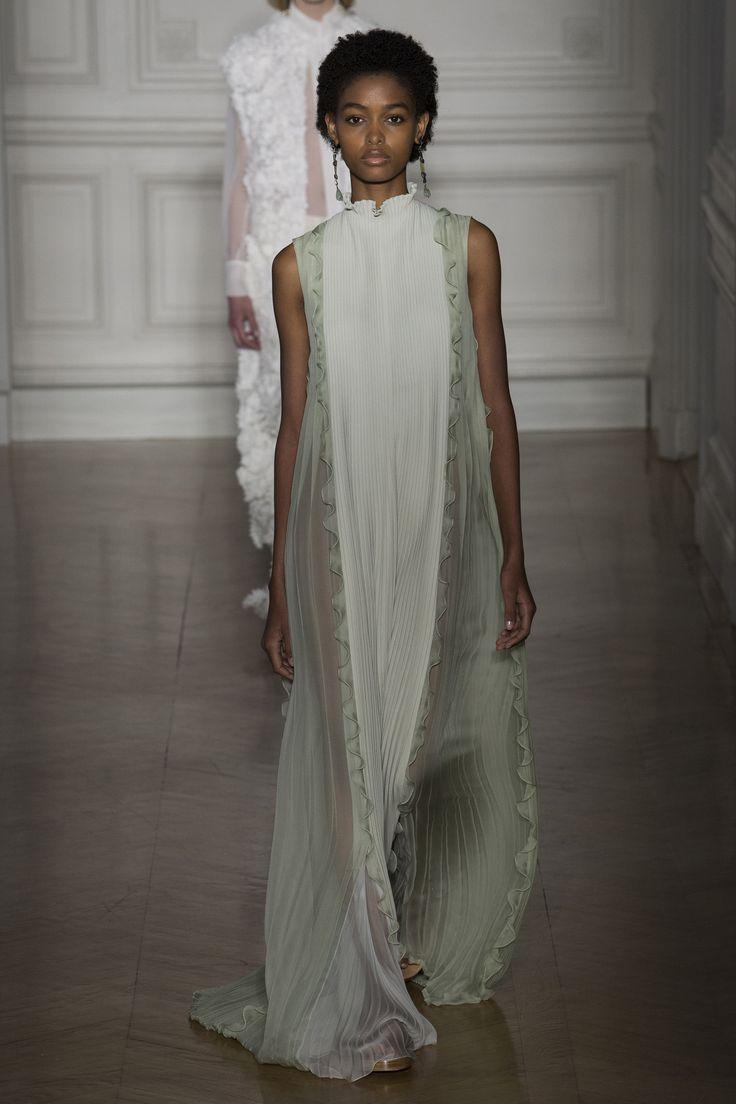 Défilé Valentino Haute couture printemps-été 2017 18