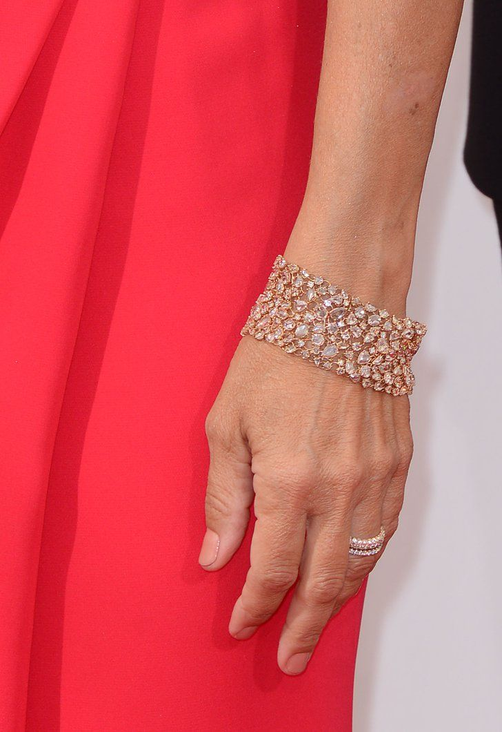 Pin for Later: These Gorgeous Award Show Manicures Hit a High Note Julia Louis-Dreyfus Julia Louis-Dreyfus stepped out on the 2014 Emmys red carpet wearing Essie's Mamba, a pale shimmering mauve.