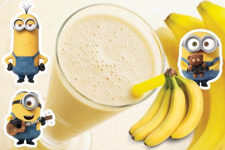 Классический банана шейк На 2 порции тебе понадобится:  2 банана (предварительно очисть, порежь колечками). 2 стакана молока. 6 кубиков льда. блендер. Соедини в блендере нарезанный банан и 2 стакана молока, хорошо взбей в течение 30-45 секунд. Коктейль готов! Осталось только добавить лед и трубочку!  P.S.: Еще вкуснее станет, если вместо 2-х стаканов молока добавить 1 стакан + пару шариков пломбира или ванильного мороженного :)