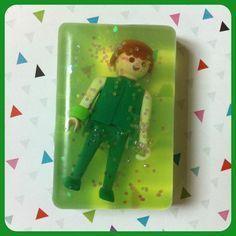 DIY : Savons à fabriquer en y mettant playmobil, figurines, bijoux etc...déclinable à l'infini !