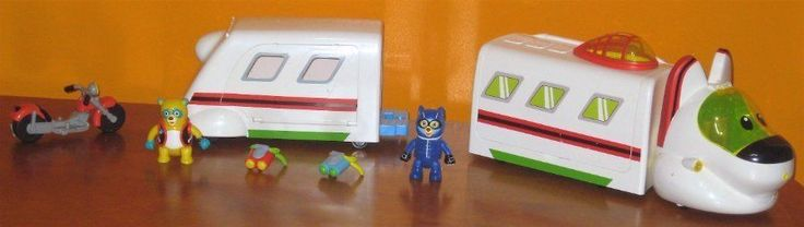 Special Agent Oso R.R. Rapide Command Center Train Wolfie Motorcycle & Backpacks #LearningCurve