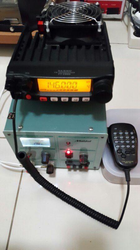 Rig Yaesu FT-2900R biar lebih adem tambahin kipas, mau pake High terus gak masalah :P