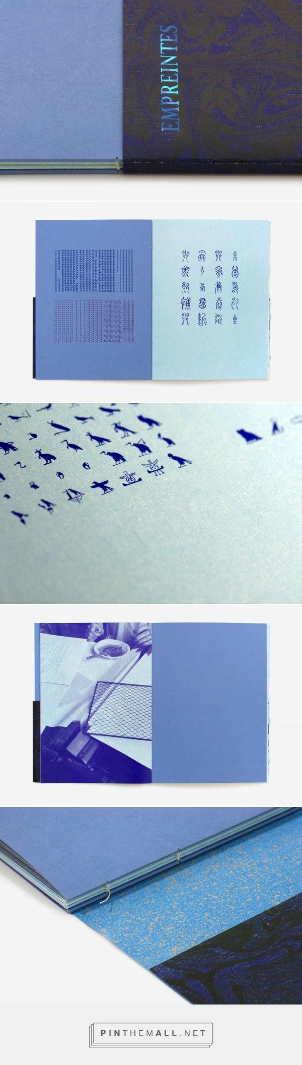 """Empreintes - """"présentation d'un choix de caractères non latins de l'Imprimerie Nationale, à la manière d'un tour du monde typographique [...] Les papiers utilisés sont des résidus disparates de l'impression d'ouvrages bibliophiliques. Ces papiers ont été surimprimés d'une teinte bleu ciel avec la presse typographique"""" - Fanette Mellier (France)"""
