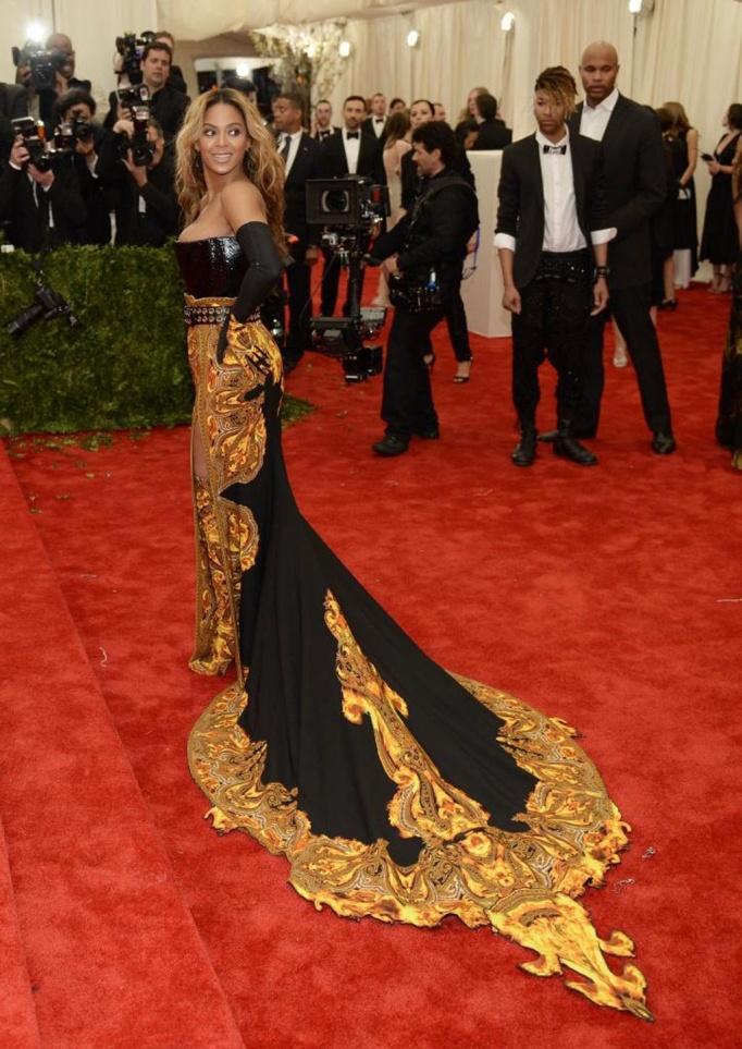 Le gustan tanto los dorados...uff¡¡ Moda punk en el Metropolitan | Fotografía | ELMUNDO.es