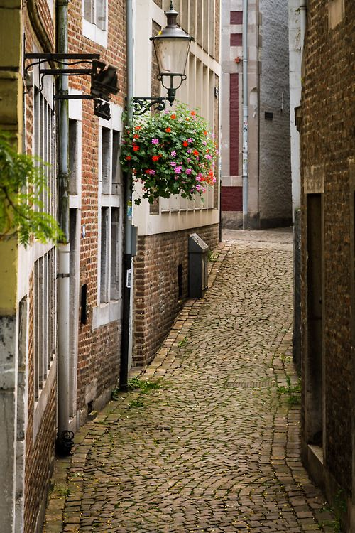 Silence of Maastricht - Bornagraphique by Bobby Born
