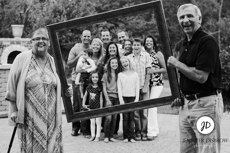 Family picture frame idea, Fun family photos, photography, Jennifer Disbrow Photography, St Louis Photographer