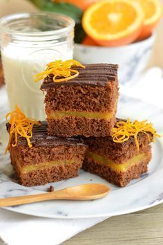 La torta cremosa all'arancia ( che trovate QUI ) è uno dei miei cavalli di battaglia, una torta buonissima che preparo da anni e che n...