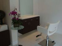 Amoy Salon-Salon Design Idea  love the matching walls and floors and the floating station