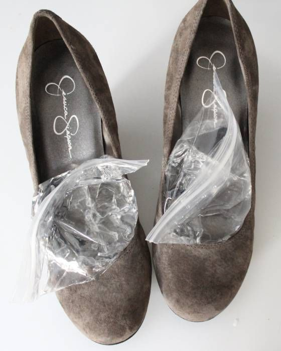 35+ Useful Clothing Hacks Every Woman Should Know --> How to stretch your shoes in the freezer #tips #lifehack #clothing
