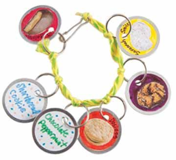 Activities for girls | Little Brownie Bakers - A cookie charm bracelet. Be familiar with your product.Cookies Ideas, Cookies Sales, Cookies Activities, Scouts Cookies, Charms Bracelets, Cookies Rally, Girls Scouts, Cookies Charms, Brownies Bakers