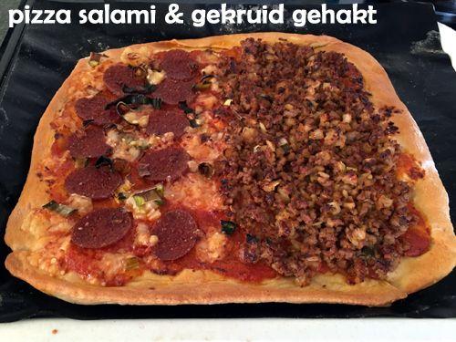 Pizza #salami & gekruid #gehakt. Gezonde #pizza van #speltdeeg met zelfgemaakte #pizzasaus en rijk belegd met een variëteit aan verse #groenten en #vlees. Voor twee normale #pizza's of vier kleine pizza's. #gezond #gezondeten #lekker #healthy #avondeten #diner #spelt #speltbloem #passata #gezond #gezondeten #lekker #healthy #lunch #avondeten #diner #hoofgerecht