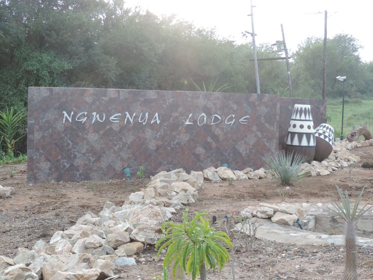 Ngwenya Lodge close to Croc Bridge