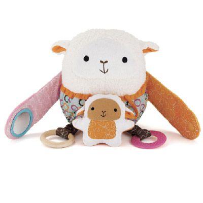 #Juguete para #Coche | Divertido y especial para acompañar a tu #bebe en el coche La oveja es un juguete que por sus #texturas, funcionalidad y mordedores hacen del #paseo de tu bebé en coche más #alegre y #divertido. El diseño le permite ser utilizado en cualquier coche con velcro.   Encuéntralo en WOM | www.wombox.co