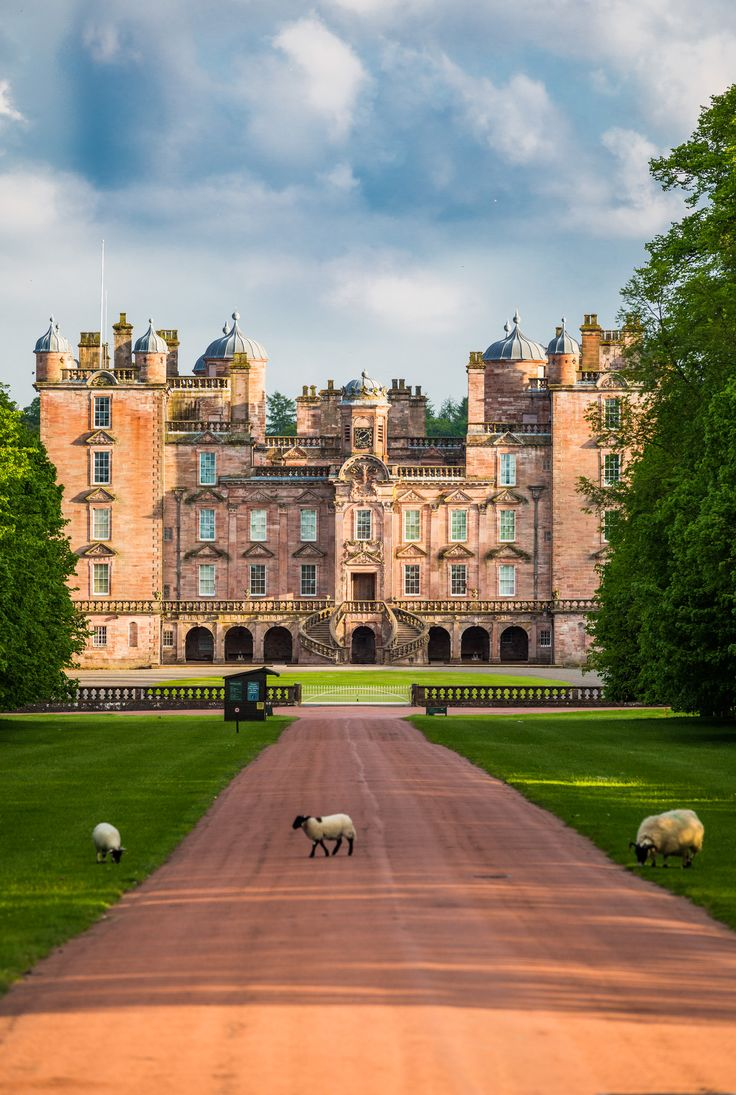 Fairytale Castle Wedding Scotland. Drumlanrig Castle, Dumfries and Galloway. www.drumlanrigcastle.co.uk