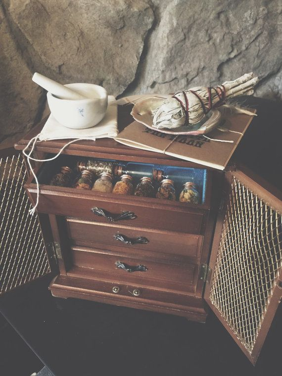 Etsy の Witch's Charm Box Small Cabinet by MoveWithTheMoon