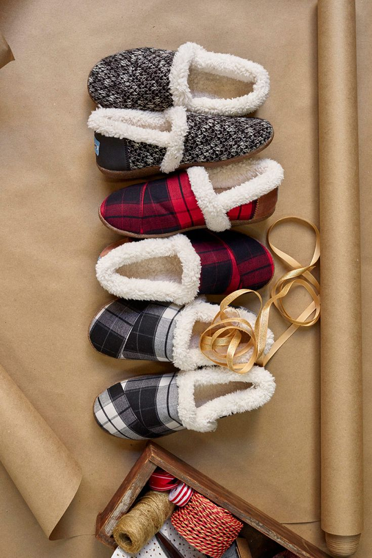 Mens Bedroom Slippers Made In Usa 17 Best Ideas About Shearling Slippers On Pinterest Womens