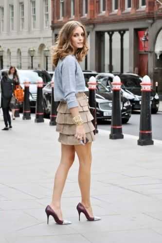 Straight outta London. Photos by Melanie Galea.: Tiered Skirts, Oliviapalermo, Palermo S Sweatshirt, Outfit Idea, Street Style, Fashion Week, Street Styles, London Fashion