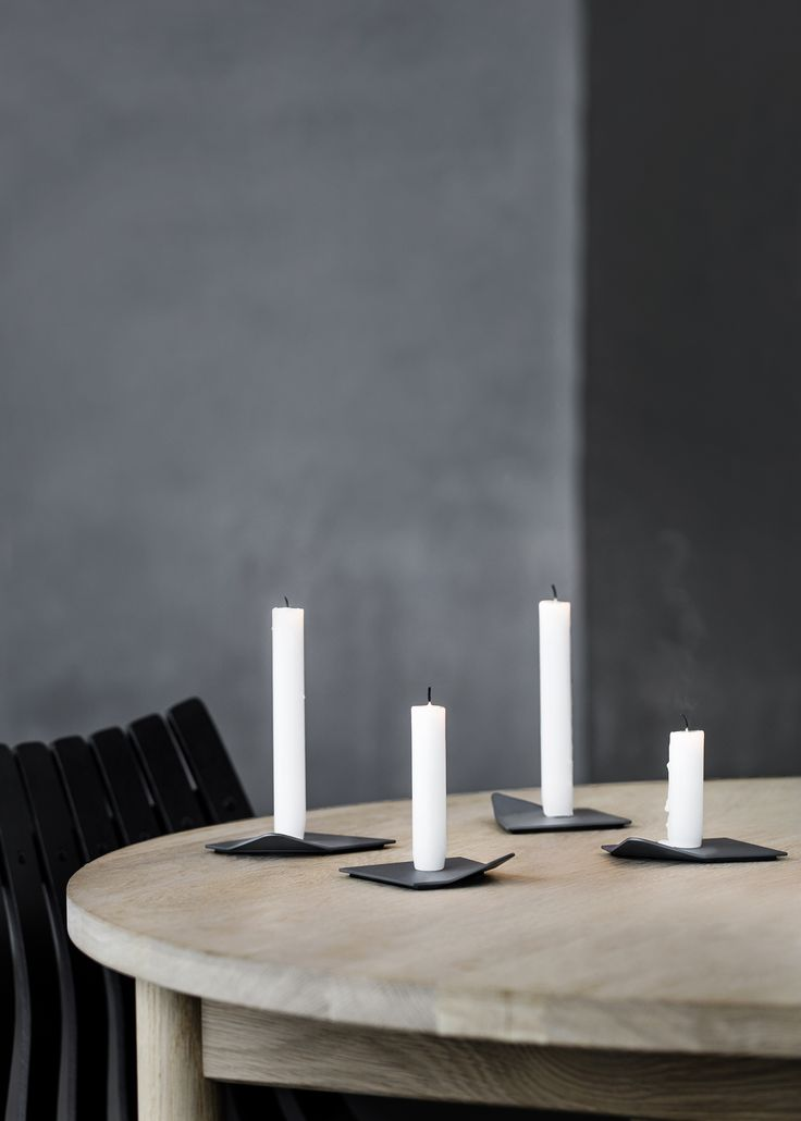 With a name like Drift, it's easy to see how this set of low, lateral candle holders was inspired by frozen ice floating in the Arctic Sea. Made with simplicity in mind, this modular set of four can be configured into a range of shapes or used as individual candleholders. Each one is crafted in …