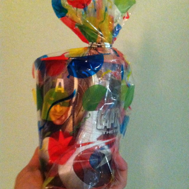 Not that great of a pic. But one of the cup party favors I made for Justin's avenger birthday party. Captain America!: Birthday Parties, Dylan Birthday, Gilbert Birthday, Bryson Birthday, Avengers Birthday, Conor Birthday, America Birthday, Birthday Ideas, Birthday Avengers