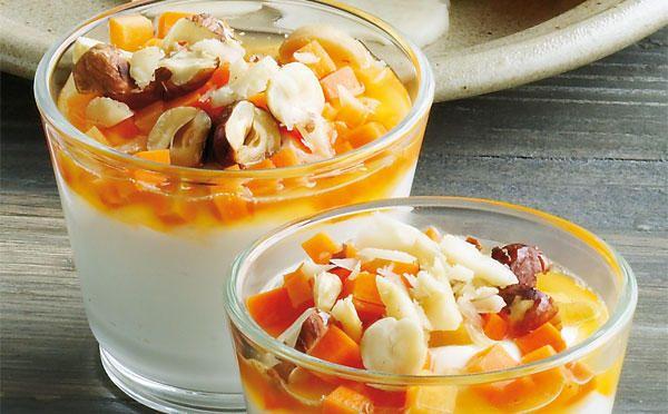 Græsk yoghurt med gulerodscrunch og nødder - Sæson for god smag