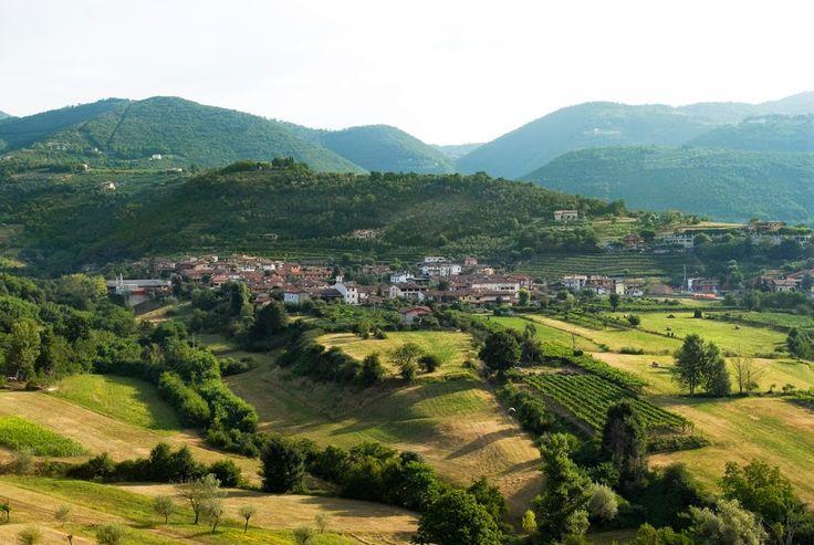 Ome in Franciacorta: l'antico borgo dove nasce la Cantina Majolini http://www.excantia.com/produttori/cantine/majolini