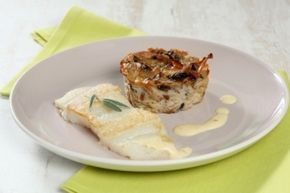Recette de filet de fletan roti sauce vin blanc et gateau de champignons des bois
