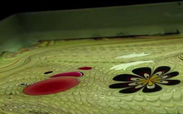 Συναρπαστική τέχνη με μελάνι (βίντεο)