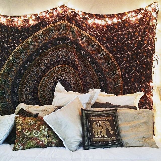 9 best images about room decor ideas on pinterest blue for Room decor urban outfitters