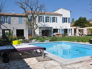 250m2 Bastide rustig met tuin en zwembad