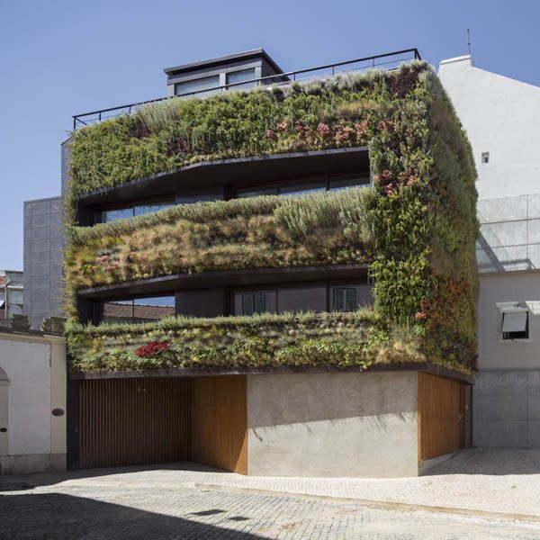 'Fragrant House' Archilapse video by Rebelo de Andrade Design Studio. This Archilapse video  won a Special mention in photography and video Architizer A+Awards 2014.