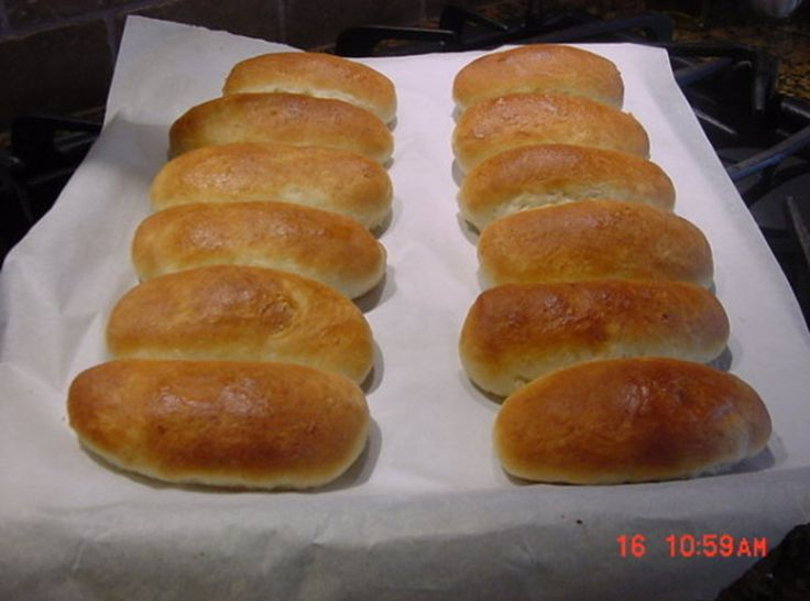 BONNIE'S 30-MINUTE HOT DOG OR HAMBURGER BUNS...I made hamburger buns. Quick & easy and tasted so much better than store-bought.