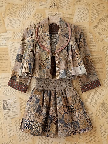 Vintage Batik Printed Three-Piece Set - interesting... maybe I just like the style, but nevertheless why do I love vintage so much?
