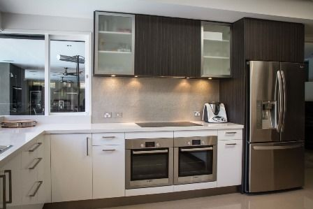 Modern kitchen. Large kitchen. Side by side ovens. Induction cooktop. www.thekitchendesigncentre.com.au