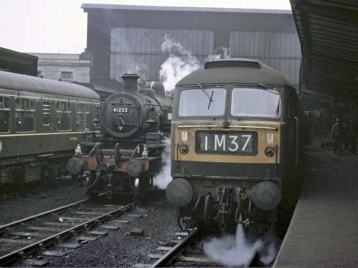D1846 (later 47199) at Carlisle on 16th April 1966. Built at Crewe Works and delivered on 12th June 1965. Withdrawn on 20th July 1987 and cut up at M.C.Metals, Springburn on 7th Dec 1993.